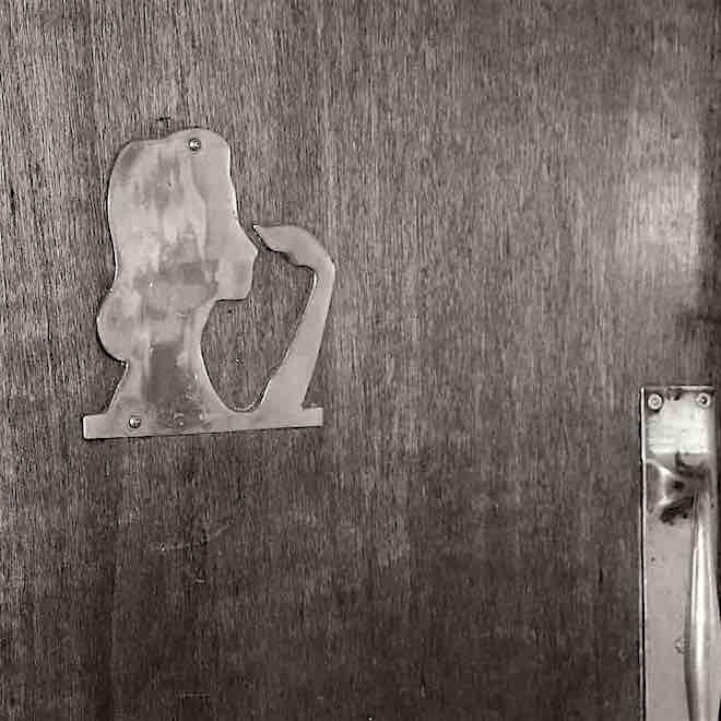 Door_plaque